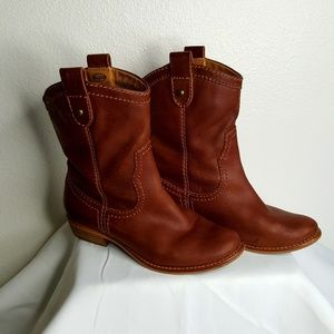 Fossil Brown short Cowboy Boots size 7